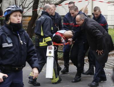 حمله-به-تحریریۀ-فرانسوی،-عکس-یکِ-روزنامهها